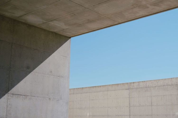 Roadtrip around Andalusia/Spain. 2nd Stop: Granada Architecture Built Structure Low Angle View Day Sky No People Wall - Building Feature Concrete Clear Sky Outdoors City Wall Pattern Archtitecture Architecture_collection Architectural Feature Architectural Detail Minimalist Architecture Minimal Minimalism Minimalobsession Capture Tomorrow 17.62°