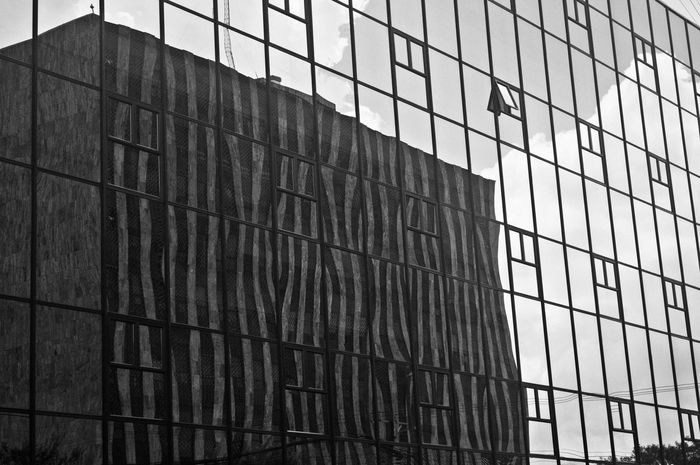 Architecture Blackandwhite Blacoynegro City Curves Day Lines Outdoors Reflection Sky Street Streetphotography Window