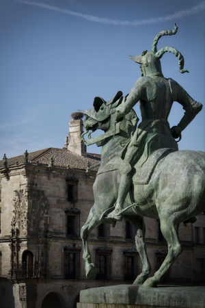 Pizarro Travel Photography Trujillo Beautiful City History Sculpture Statue Travel Destinations