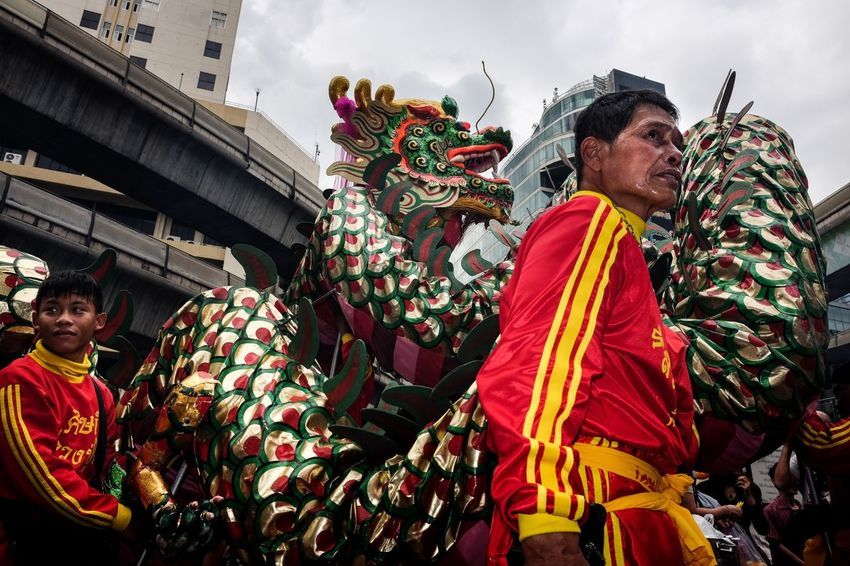 midtown dragon Streetphoto Street Photography Streerphotography Street Photo Street Dragon Traditional Clothing Celebration Tradition Traditional Festival Outdoors Day Men EyeEm Ready