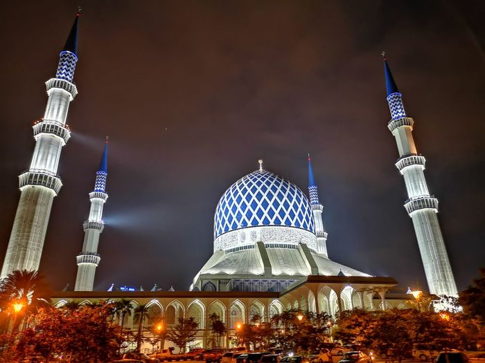 Architecture Photography Islam Mosque Nightphotography Architecture Mobilephotography City Illuminated Dome Place Of Worship Cityscape Winter Religion Architecture Sky