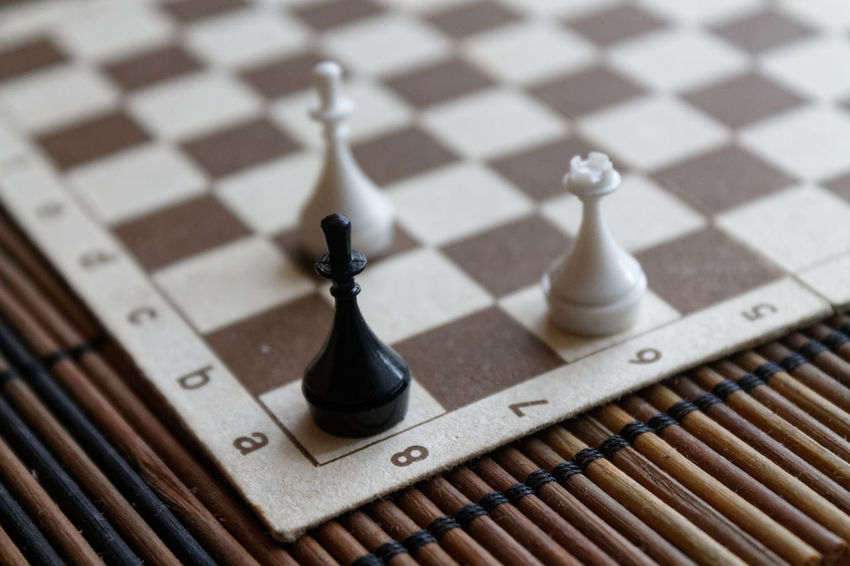 Games Strategy Game Backgrounds Black Color Board Game Bussiness Chess Chess Board Chess Piece Close-up Day Game Of Mind Hobbies Indoors  Intelligence King - Chess Piece Knight - Chess Piece Leisure Games No People Pawn - Chess Piece Queen - Chess Piece Sport Strategy Wallpaper Wood - Material