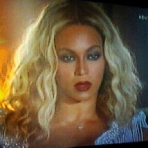 Boa demais, negócio é bater o cabelo!!! BeyonceNoMultishow Diva Rir