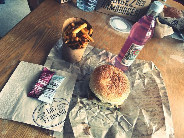 """""""Le Big Fernand from Versailles"""" Food And Drink Table Bread Food Drink Ready-to-eat High Angle View Bottle Drinking Glass Temptation French Food No People Sweet Food Hamburger Close-up Indoors  Day Chips Fries! Frites Beef Boeuf Handkerchief Fromage Cheese"""