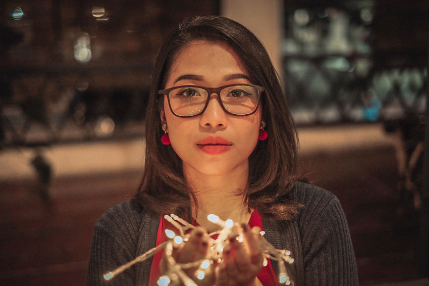 some portrait shoot today #portraiture #makeportrait #pursuitofportrait Eyeglasses  Young Women Beautiful Woman Women Looking At Camera Beautiful People Front View Headshot Close-up