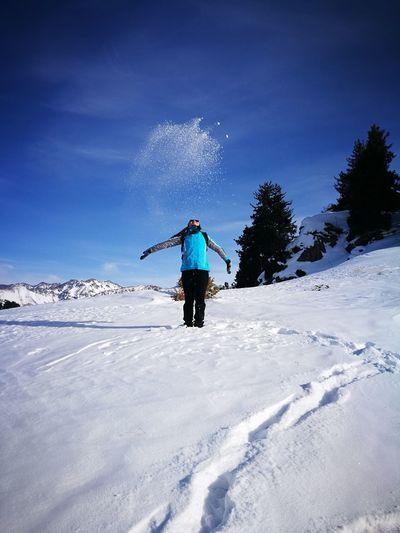 Зимний поход Hiking Trail Hiking Hikingadventures Weekend Activities Snow One Man Only One Person Full Length Adventure Only Men Adult Ski Holiday Winter Human Body Part Motion Day Sky