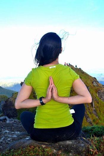 Facus Sexygirl Asian Culture Girl Natural Beauty Adventures Enjoying Life Nature Photography Asian Girl Yoga Green Color Relaxing Mountain Yoga Pose Amazing Nature Yoga ॐ Yogagirl 😍indonesia 🌾🌲🌳🌺🌷🌹💐