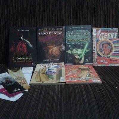 Segundo dia de Bienal *-* Books Marcadores Mang ás Amô ler l4l