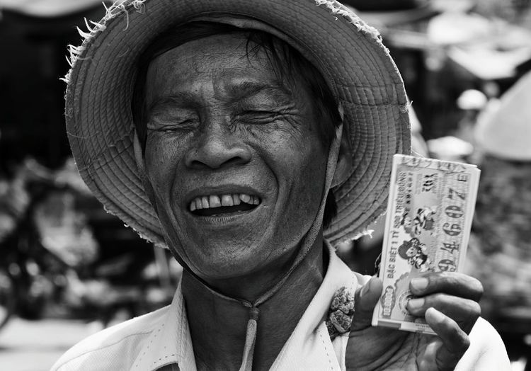 ... Street Portrait Streetphoto_bw Streetphotography_bw Street Photography Streetphotography EyeEm Best Shots EyeEm Best Shots - Black + White EyeEm Best Shots - People + Portrait Humaninterest Lottery
