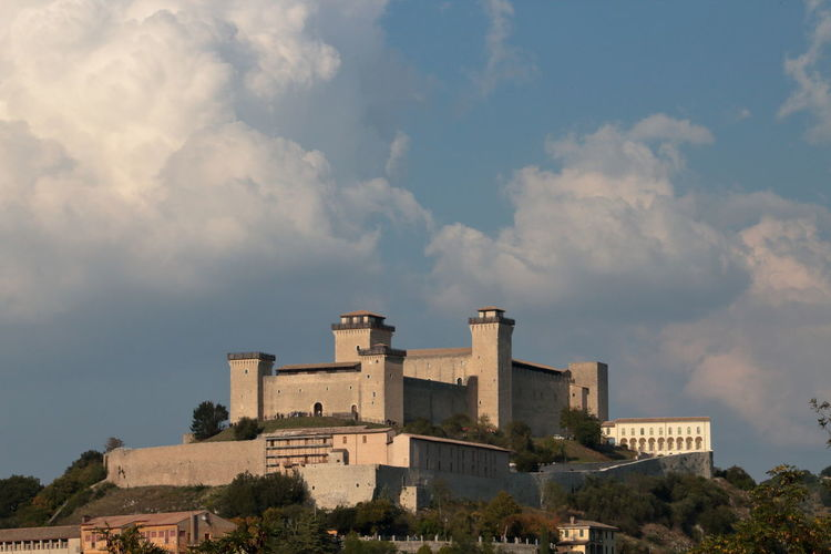 fortress of Spoleto Italy EyeEm EyeEm Gallery Art Passion Beautiful Tourist Travel Italy Spoleto Landscape Sky La Rocca Albornoziana Don Matteo City Tree Business Finance And Industry Sky Architecture Building Exterior Cloud - Sky Built Structure Castle Fort Historic History Medieval Fortress Civilization