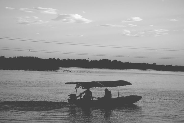 China Photos Cloudpark Peace And Quiet Lake View Boat Life Lakelife Blackandwhite Bnw Freshness Urban Nature Urban Landscape Black And White Friday Silhouette Nature Streamzoofamily