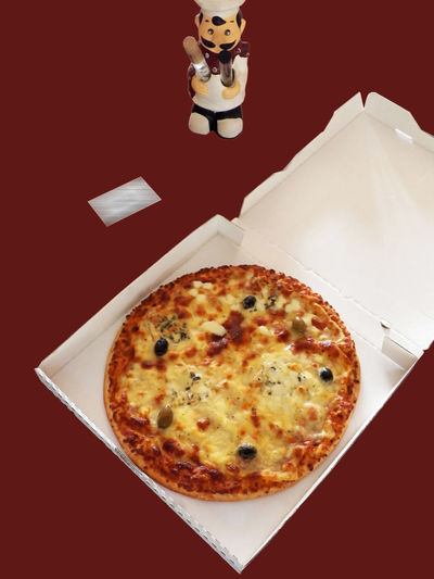 """From France """" J'aime les pizzas """" Cheesy Pizza Colored Background Pizza Pizza Composition Baked Edges Food Photography Full Size Pizza Italian Food Red Background White Pizza Box Directly Above Food Theme"""