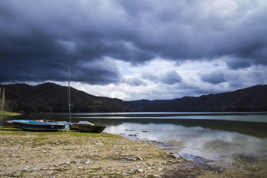 Nuvole Borgo San Pietro Lago Lago Del Salto Riflessi Riflessi Sull'acqua Temporaleinarrivo