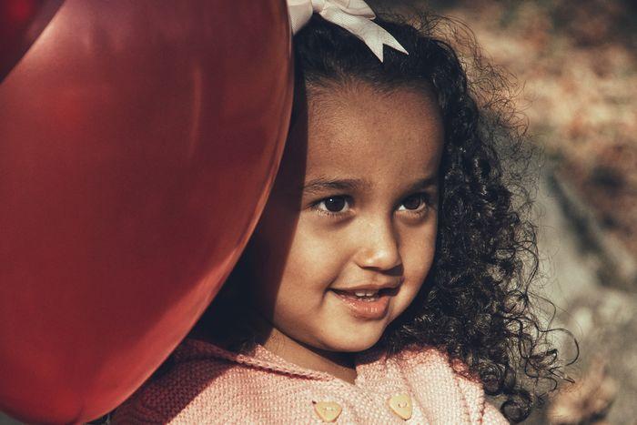 Niklas Storm Okt 2018 Superheroes Balloon Portrait Child Smiling Childhood Happiness Girls Cheerful Headshot Boys A New Beginning