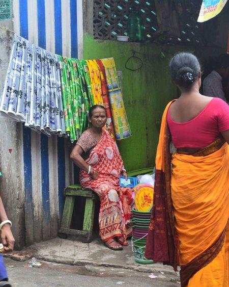 Kolkata,india Multi Colored Adult Street Art Sari Lifestyles India Kolkata Day Colors Otherculture Nofilter Nikond3200 EyeEmNewHere Second Acts