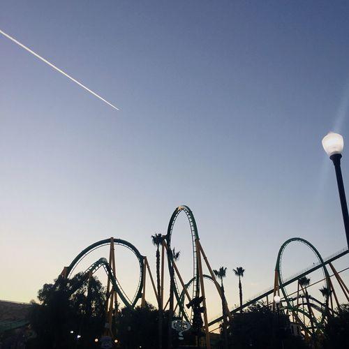 Six Flags Magic Mountain aAmusement ParkRRollercoasterLLow Angle ViewaArts Culture And EntertainmentdDayCClear SkyFFunoOutdoorssSkylLosangelesCCaliforniaiIPhoneographynNonfilterpPhotographyeEnjoysSunsetTTravelDDailyGGniusUUSAirst eyeem photo]