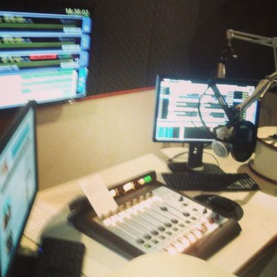Music Studio Amazing Tracks Producer Skrillex  Dubstep Brasil Brazil