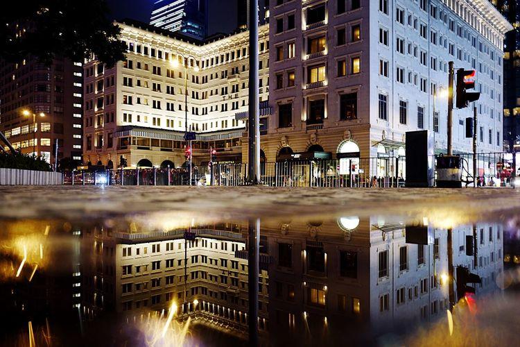 reflection TST HongKong Discoverhongkong Leica Leicaq Streetphotography Nightphotography Night Lights Reflection Water Street Night 香港 夜景 EyeEmBestEdits EyeEm Best Shots EyeEmBestPics 28mm EyeEmbestshots Peninsula Hotel The Architect - 2016 EyeEm Awards