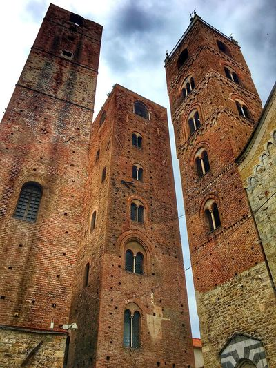 Tower Medieval Built Structure Architecture Building Exterior Low Angle View Building Sky Religion Cloud - Sky City The Past