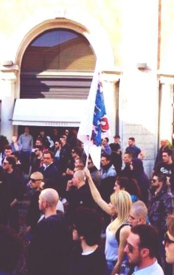 La rivoluzuone è femmina . Rivoluzione Italy Forzanuova Lotta Studentesca