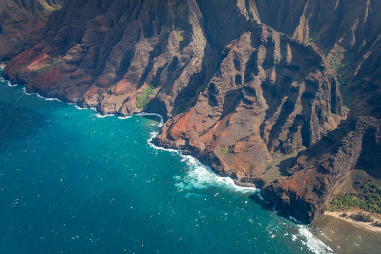 Aerial view of beautiful napali coast rock formation on the hawaiian island of kauai, hawaii, usa