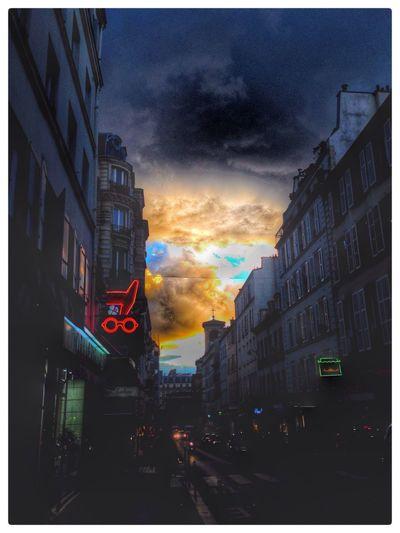 RDM Paris Ruedesmartyrs Sunset