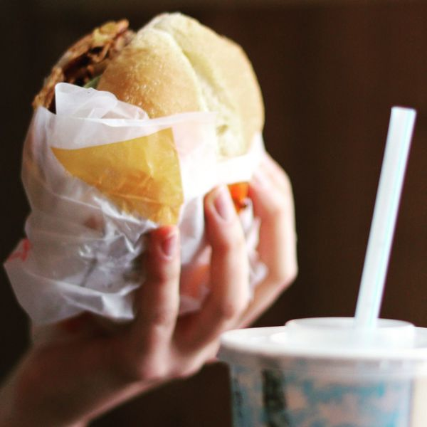 Before the Throw Canon 200D Sl2 Ef50mmf18stm Nopeople Yummy Food Restaurant Meal Fastfood Gamburger Burger Fresh Human Hand Fast Food Drink Take Out Food Holding Disposable Cup Disposable Tasty Hamburger Bun Prepared Food