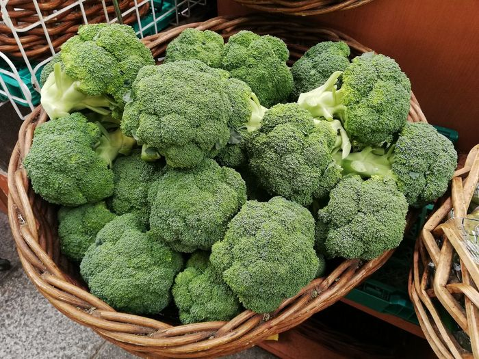 Broccoli at market EyeEm Selects Vegetable Basket High Angle View Raw Food Table Close-up Green Color Food And Drink Broccoli Farmer's Market Vitamin Nutritional Supplement Vitamin C Homegrown Produce Leaf Vegetable Farmer Market Low Carb Diet