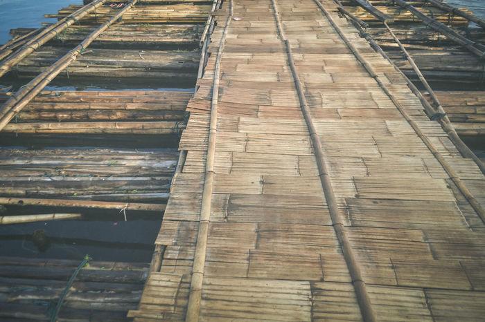 Bamboo Bridge Floating Floating Bridge Floating On Water Hardwood Floor River Wood - Material Wood Paneling