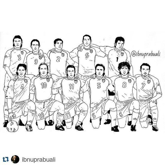 Repost @ibnuprabuali with @repostapp ・・・ Art Illustration Drawing Draw Picture Photography Artist Sketch Sketchbook Paper Pen Pencil Artsy Instaart Gallery Masterpiece Creative Instaartist Graphic Graphics Artoftheday Euro2000 Italia Italy football soccer azzurri cattenaccio delpiero