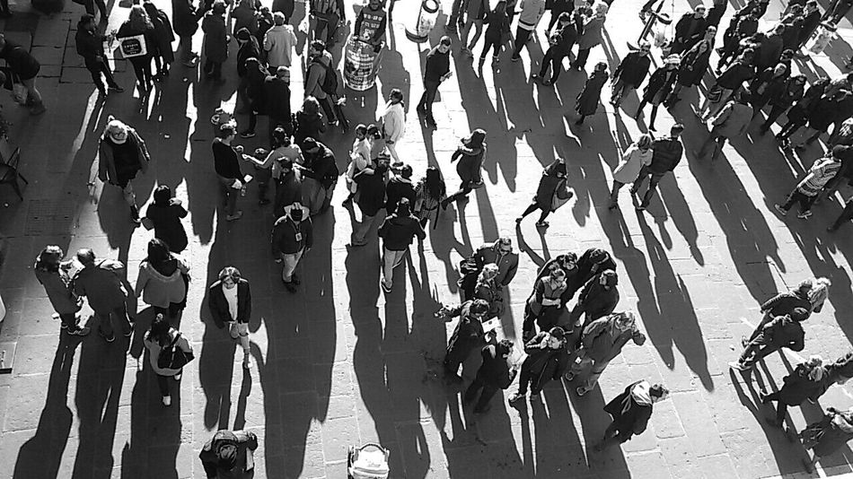 City life Inner Power Popolari People_bw Large Group Of People Crowd Monochrome_life Casual Clothing Getting Out And Living Shadows And Backlighting A Bird's Eye View Black & White People On The Street Eyeem Market Streetphotography Hight Angle View The Week On EyeEem Real People Enjoy The New Normal Standing Getting Inspired Taking Photos Bkack & White Welcome To Black Live For The Story Second Acts Love Yourself Stories From The City Adventures In The City