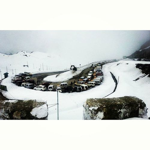 Car Parks 🙌 MountainLovers Perfection Sikkimdiaries Snow Picoftheday Awesome Photography Photographers_tr MemoryLane Thememorylane Mypixeldiary Bindebros Naturephotography Captureyourcity Movingmagicclicks Colours Instapic Instaphoto Photographersofindia DSLR Canon CANONCLICKS Likesforlikes Followforfollow