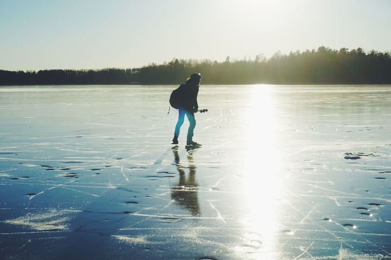ice skating Water One Person Lake Reflection Sport Full Length Outdoors Leisure Activity Day People Nature Adventure Aquatic Sport Outdoor Pursuit Beauty In Nature Adult One Man Only Cold Temperature Adults Only Ice Skate Ice Skating Lifestyles Wintertime Norway The Great Outdoors - 2017 EyeEm Awards
