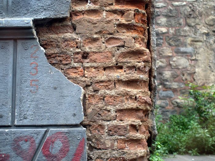 Built Structure Wall Building Exterior No People Day Old Brick Wall Brick Focus On Foreground Stone Wall Damaged Deterioration Textured  Close-up Wall - Building Feature Pattern EyeEmNewHere Unhidden