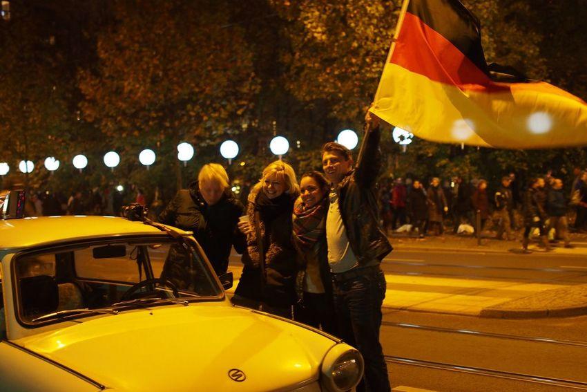 25y now, unbelievable... Celebrating Fotw25 Fallofthewall25 at Bernauer Strasse