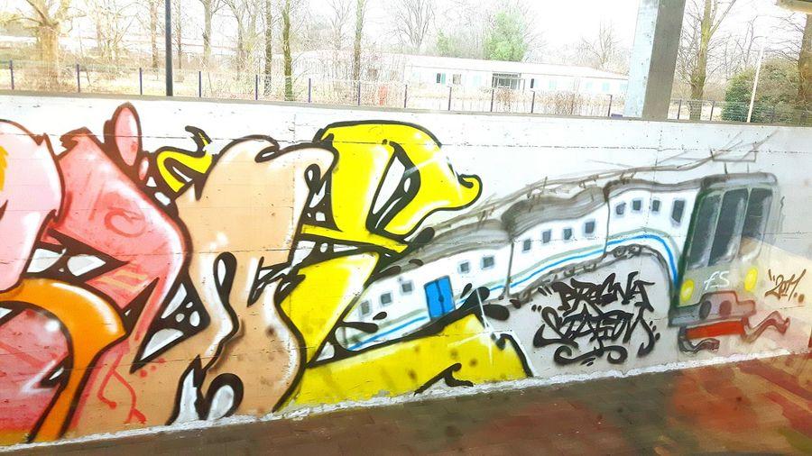 Art Graffiti Public Transportation Eyeem Photography Eyeem Photo Color Eyeem Best Shots Eyeem Gallery Creative Light And Shadow Color Photography