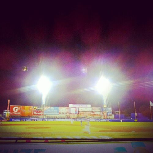 Baseball night Lights Robot Robotlights Stadium grass game baseballgame league season starting venados venadosdemazatlan team playing instagramlovers instagram instadaily instafocus gramfeed instacanvas dailyphoto dailypics picoftheday vignete