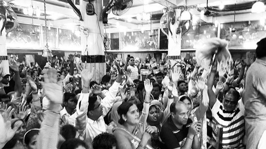 Sacchee darbar ki jai JaiMataDi Durgapuja Bhiwāni Streetphotography