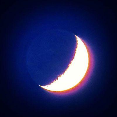 Moon Moonstruck Moonshine Heaven Sky Beautifulmoon Night Nightout Nightlife Nature Nature_perfection Naturelovers Midnight Midnightsun Midnightmemories Mond Laluna