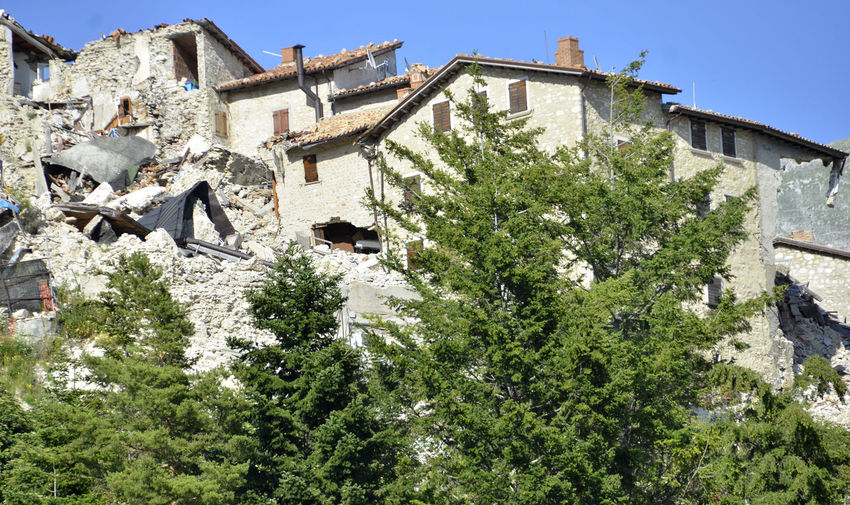 EARTHQUAKES Home Sweet Home Building Building Exterior Built Structure Earthquake Earthquake Area Earthquake In Italy House No People Outdoors Sky