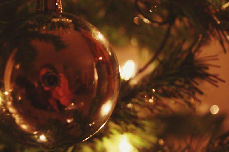 Christmastime Xmas Weihnachten Christmas Tree Xmaslights Weihnachtskugeln Taking Photos Ohhappydays Loveisintheair