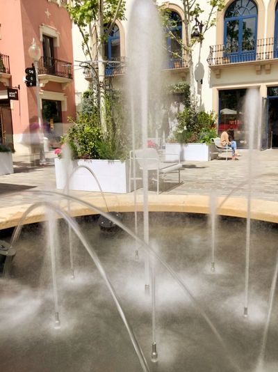 Larga Exposicion Fuente Architecture Built Structure Water Motion Fountain Building Exterior Spraying