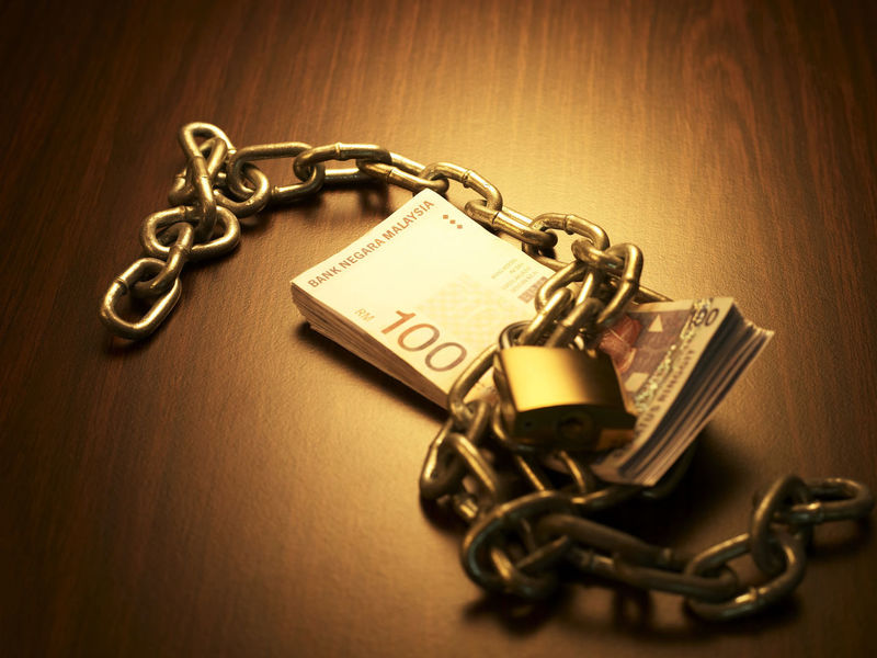 financial item cash Currency Cash Chain Close-up Dollar Expenses Finance Indoors  Investment Key Key Ring Lock Malaysia Currency Metal Money No People Old-fashioned Padlock Prevent Safety Savings Wealth