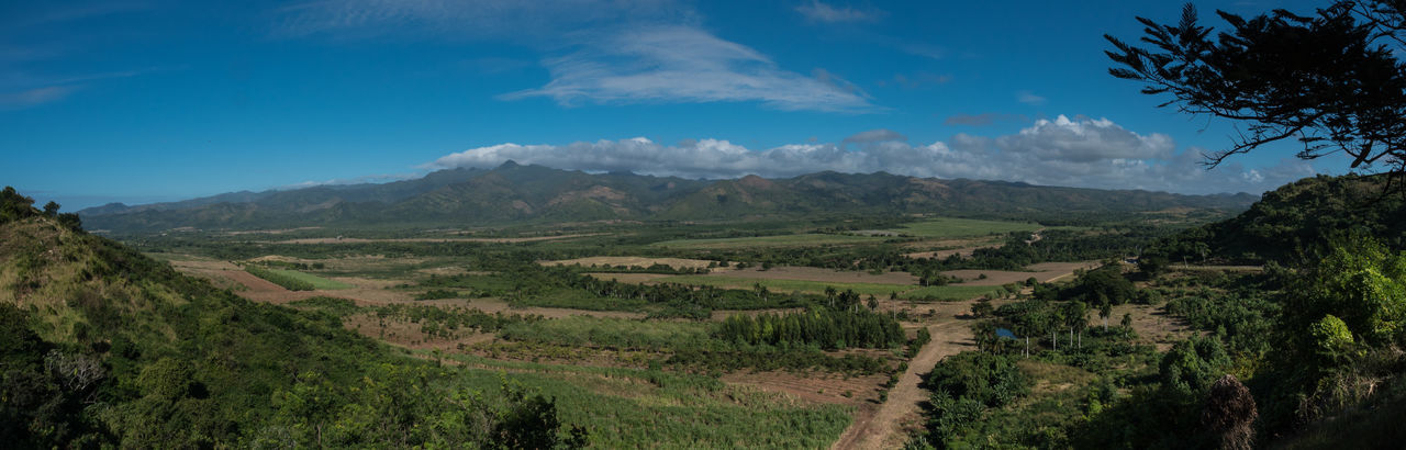 Cuba, Noviembre 2016 Panorama Beauty In Nature Day Landscape Mountain Mountain Range Nature No People Outdoors Scenics Sky Tranquil Scene Tranquility Tree
