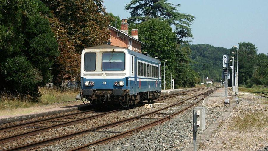 Eisenbahn Frankreich ♥ La France Railway Ter Turenne Gare