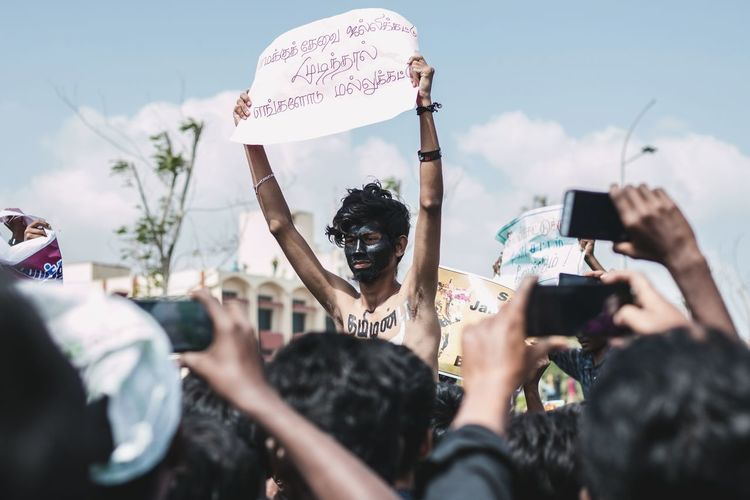Protesting for our culture .. Uniqueness Photography Themes Mid Adult Photographing Communication People Young Adult Outdoors Crowd Day Makeup Unique Large Group Of People Culture Event City Chennai Society Togetherness People Photography Tamilnadu Tadaa Community Equal Rights  Protest Tamil Art Is Everywhere The Photojournalist - 2017 EyeEm Awards
