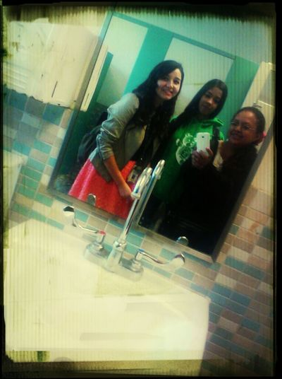 Hanging Around With The Best Friends ♥