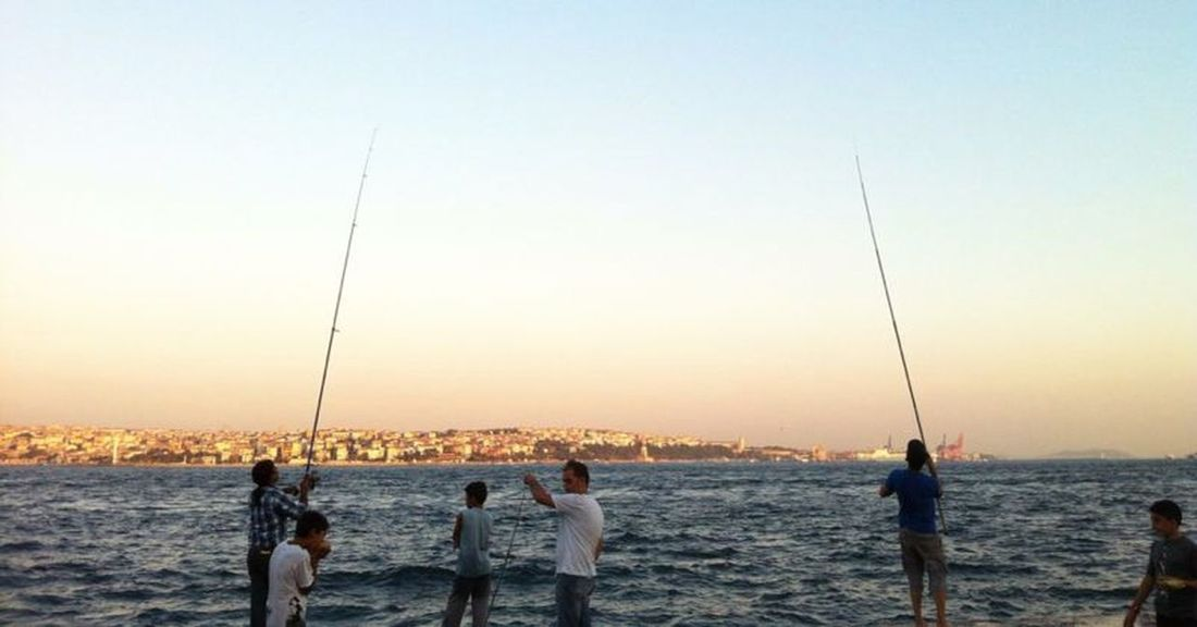 Share Your Adventure In Istanbul Turkey it was an Adventure for me, to Fish some Fishes . 😁the View to the AsianSide of the Blue Sea is Awesome