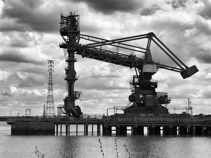 Mammoth ... Industrial River Thames Crane - Construction Machinery Cloud - Sky EyeEm Best Shots - Black + White Clouds And Sky Thames Path The Week On EyeEm