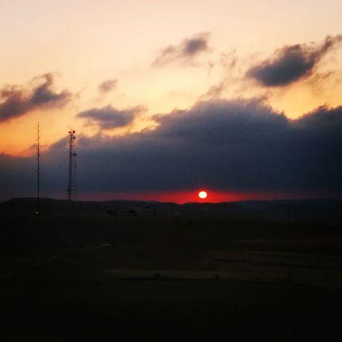 Everybody likes sunsets. Sunset Cloudporn Desert Israel